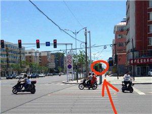 失灵的人行道灯让行人通行很迷茫