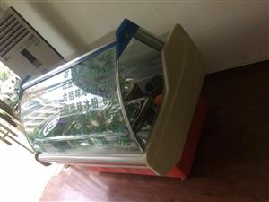 9成新冷藏展示柜 低价处理 价格面议可小刀 因展示柜太大 故忍痛割爱 随时可来实地看此柜 卖冰粉卖...