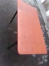 闲置桌子白菜价转卖6张200元。有意者联系15535800751王忠齐