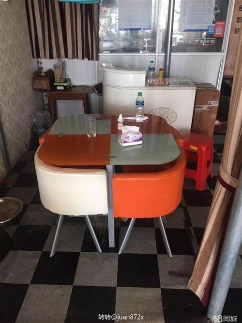 玻璃桌椅 八九成新,便宜卖,90×90的150/套,90×150的200/套。