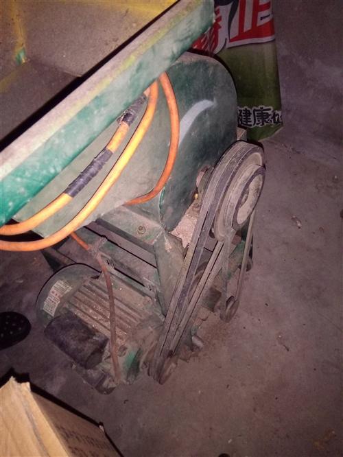家用玉米脱粒机,把玉米棒脱成玉米仔,铜线圈电机,马力大