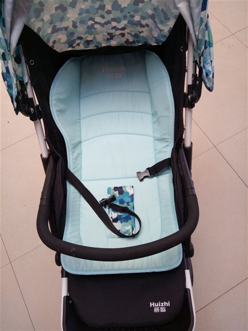婴儿推车,可以睡觉可以坐着有安全带,可以折叠,宝宝不喜欢坐车,然后想把它卖掉,原价是420,现价18...