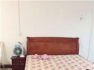 水东市场1室1卫400元/月