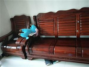 出售二手凉椅一套,还有床,饮水机,有意着面谈
