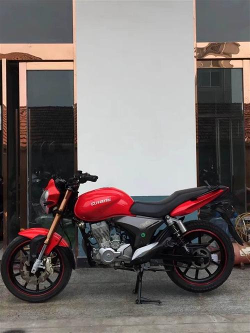 閑置摩托車出售,錢江龍150,車況好,無維修,2010年的車,才跑了一萬多公里,手續齊全可過戶。誠意...
