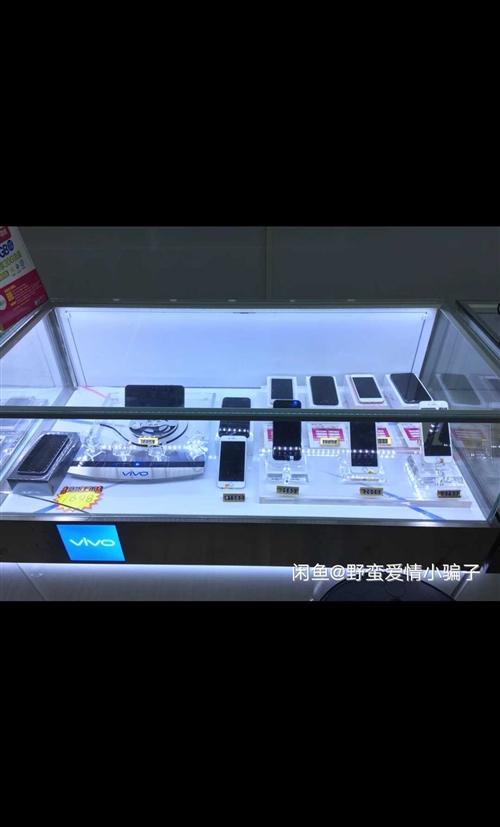 vivo官網手機柜臺,八成新三個,現處理,帶手機展示臺