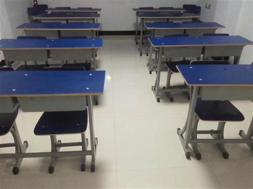 出售二手学生桌椅12套,白菜价格哦!联系电话14740364414
