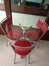 整套300块,一桌3椅子,电话:18203892130                       ...