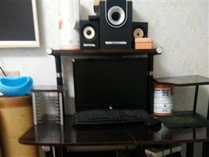 电脑桌,主机,显示屏,音箱,都正常