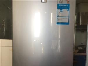 因工作原因,急售冰箱一台,预售300元,可议价,地址:海南洋浦,17330801945