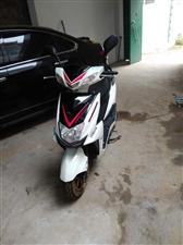 精品踏板摩托车,九成新一键起动,外观,灯光杠杠杠的