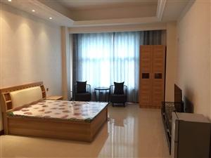 鼎盛绣府公寓楼1室1卫1500元/月