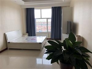 秀府家园1室1厅1卫1500元/月