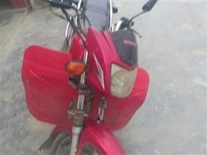 因车主有急事需要出去,有一辆二手八成新摩托车需要拍卖,联系电话18882375573,兴文县麒麟苗族...