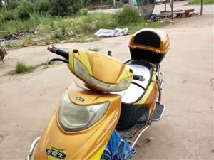 二手电动车 优狐  轮胎  电瓶9成新  现在不用电动车现在急需出售700