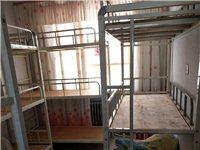 八成新桌椅、高低床、煤气灶、消毒柜,价格便宜,有意者电联!