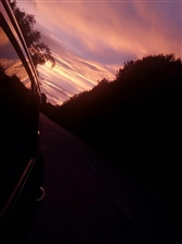 朝阳很美,却不敢停留太久