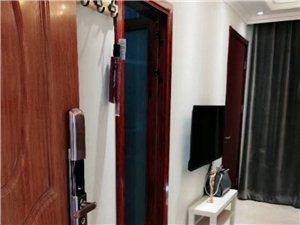越兴公寓1室1厅1卫1300元/月