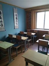 低价出售学生桌椅,有需要者请电联!价格可 议!