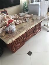 出售茶几,皮沙发,衣柜,电视柜,鱼缸茶几等~有意者请拨打电话15904231777