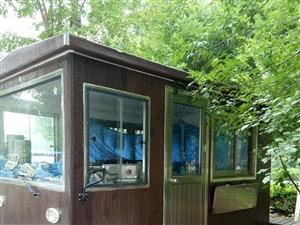 出售可移动餐车一辆8成新,早点设备一套9成新!有需要的联系!可小刀!
