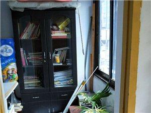 长阳花坪社区楼梯房出售