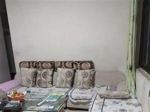 家里急装修,七成新全套沙发出售,买时3000多,坐了将近一年,现在看缘,有缘人五百拿走,实在是因事急...
