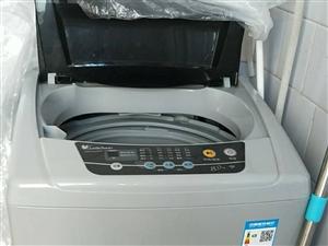 都是三月份刚买的!洗衣机是小天鹅的八公斤!现要去外地!便宜卖,都是新的,没咋用!