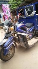 宗申三轮摩托车,300匹水冷机器。高低档变速,带自卸,双排轮。该车行驶证,车拍照都有,手续齐全。 ...