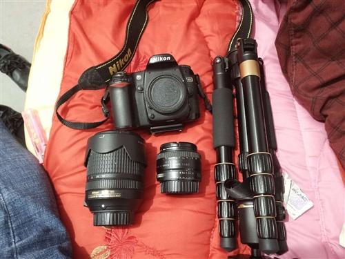 因為缺錢用所以出售一套尼康d80單反!一個50mm的標頭!一個14--140mm的變焦鏡頭!一副三腳...