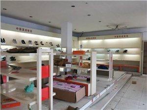 定制价1200元每米现处理: 烤漆白色货架处理100元/每米,老北京布鞋架200元/每米