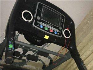 去年8月购置的跑步机,原件2200元,仅使用过两三次,至今闲置,现优价出售,有意者电联