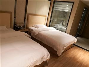 麒龙广场公寓酒店1800元/月