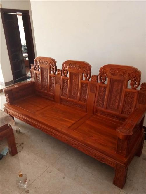 因改变装修风格出售实木沙发6件套