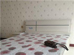 兼并秀府1号故居1室1厅1卫1300元/月