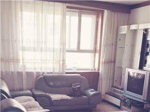 温馨花园3室2厅1卫1500元/月