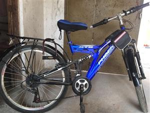 自用凤凰牌自行车处理,减肥用,没骑几次,九成新