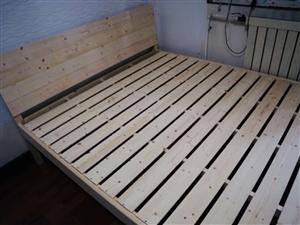 1.8?2.0米木床全新   还没有组装   15855869558