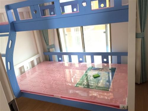 本人刚新买的儿童上下铺便宜转让,全新还没用过,白色加浅蓝色,全松木结构很结实,下铺宽1.2米,上铺宽...