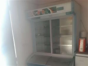 本人去年在工地旁边开小吃店买来的设备有点菜柜,冰柜(冰雪糕)火炉车和储物柜。因工地经常无法正常施工影...