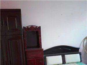 宏大小区2室1厅1卫8000元/月
