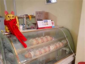 蛋糕店设备全部转让了,三层烤箱,一米八凤循环冷藏柜,醒发箱,合面机 打蛋机 陶瓷奶油机等等  需要的...