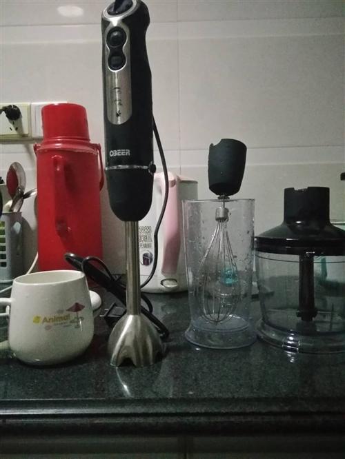 欧贝尔宝宝料理机辅食机,多功能,九成新,搅拌头为食品级304不锈钢,一点点东西都能打的好细,我买的是...