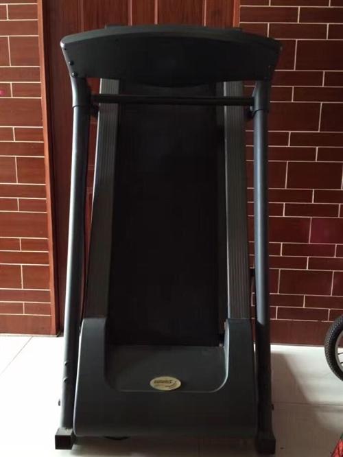 家用跑步机,最近两年一直闲置在家,低价转让