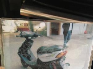 我有一辆女式摩托车 (雅马哈)出售。有意者来电,13881287718非诚勿扰
