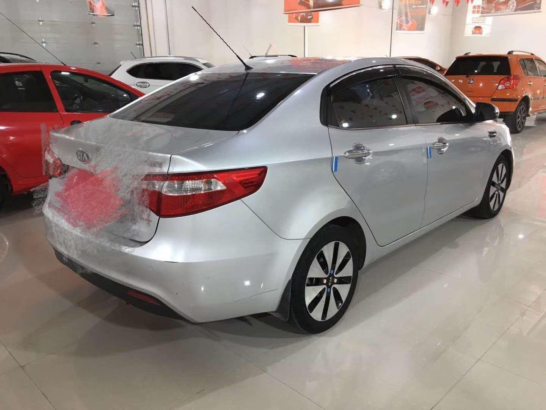 起亚K2 2011款 1.6L