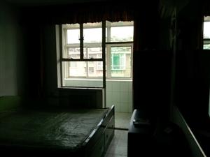 实验二小院内(原农机校宿舍)2室1厅1卫32万元