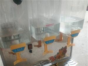 转让一台冰之乐冰淇淋机和一台冰之乐10L果汁机,有意着请联系电话13849037670,非诚勿扰