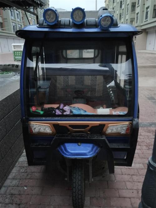 出售烤冷面电动摊车,60电瓶,设备齐全,新车刚1个多月,没怎么开,由于本人要去外地现将此车出售。联系...