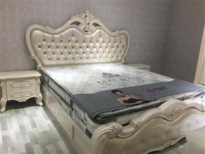 乐平印象,豪装,103个平方,出售价格86万,本人因外省发展出售这套刚装修好的房子,看中价格一次性付...